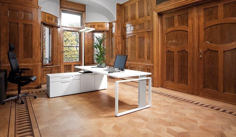 LEUWICO iMOVE-F Höhenverstellbarer Schreibtisch